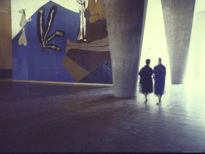 Picasso agrees to paint a mural for the delegates foyer at the UNESCO building in Paris title The fall of Icarus.